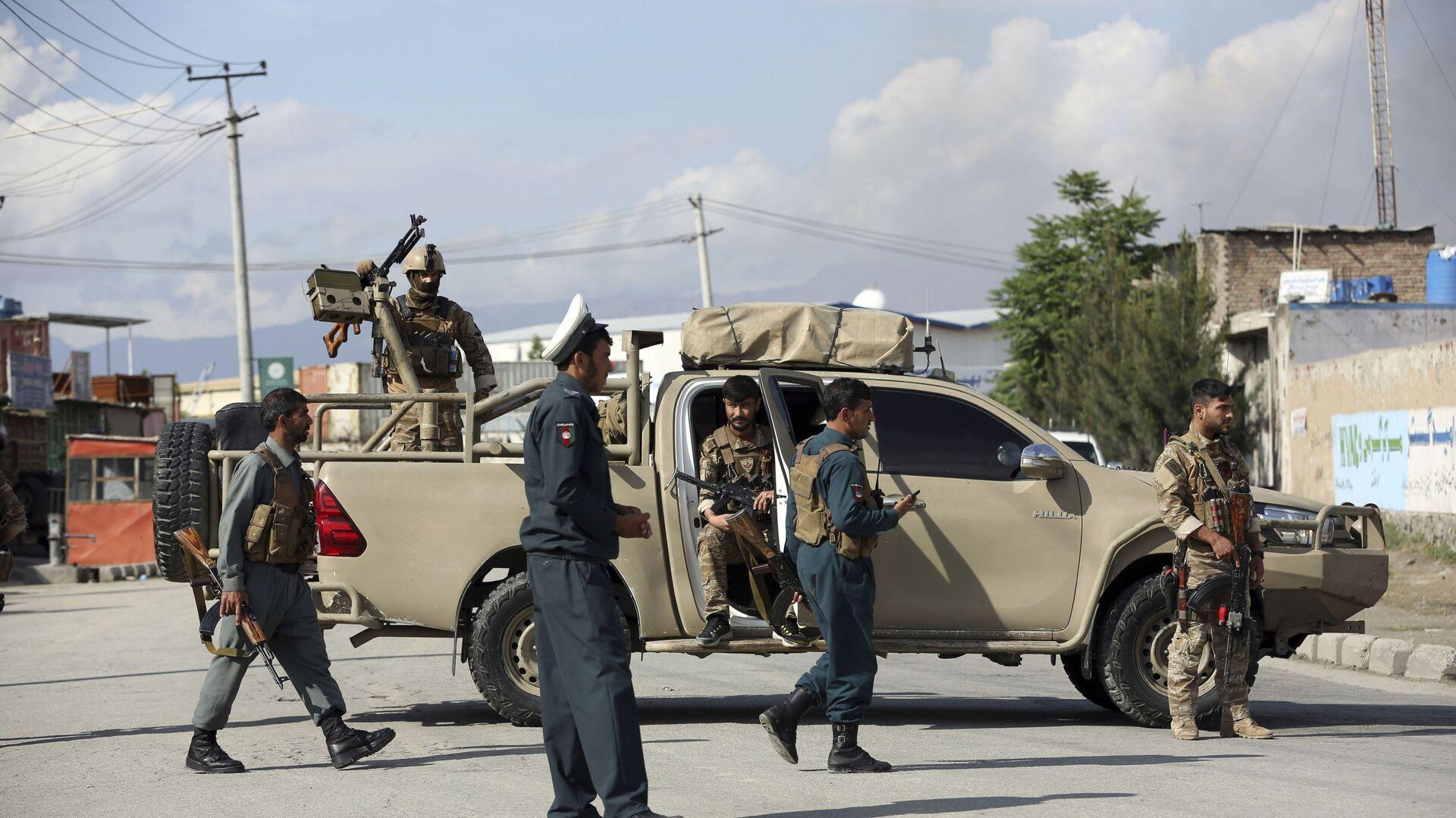 Афганские силовики прибыли на место где произошел взрыв в мечети 24 мая 2019 - Sputnik Таджикистан, 1920, 26.07.2021