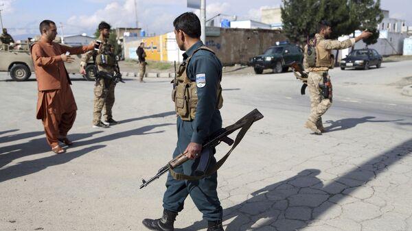 Афганские силовики прибыли на место, где произошел взрыв в мечети 24 мая 2019  - Sputnik Таджикистан