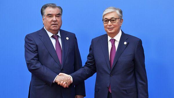 Президент Таджикистана Эмомали Рахмон и президент Казахстана Касым-Жомарт Токаев - Sputnik Тоҷикистон