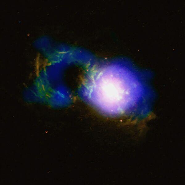 Квазар Teacup со сверхмассивной черной дырой SDSS 1430 + 1339 - Sputnik Таджикистан