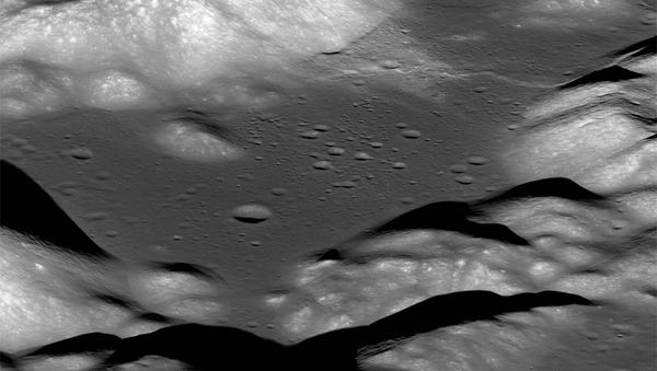 Долина Таурус-Литтроу, снятая космическим кораблем NASA Lunar Reconnaissance Orbiter - Sputnik Таджикистан