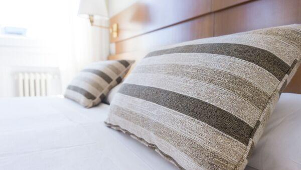 Кровать, архивное фото - Sputnik Тоҷикистон