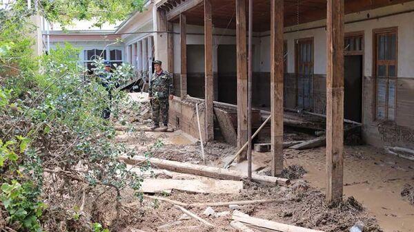 Последствия селевых потоков в Канибадаме, архивное фото - Sputnik Таджикистан
