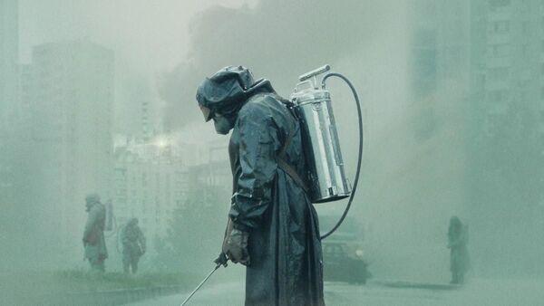 Кадр из мини-сериала Чернобыль - Sputnik Таджикистан