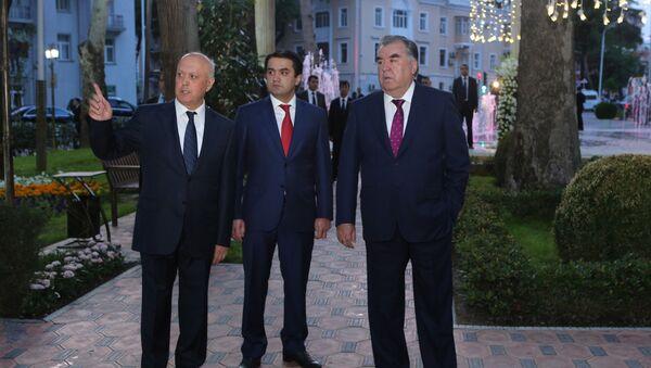 Президент Таджикистана и мэр Душанбе на открытии Парка имени Кира Великого в Душанбе  - Sputnik Тоҷикистон