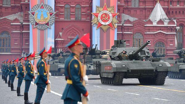 Танк Т-14 Армата на военном параде - Sputnik Таджикистан