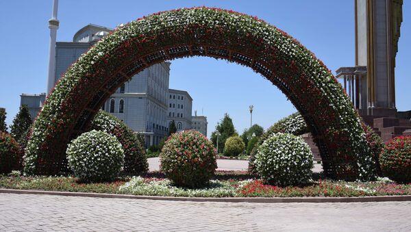 Украшение города Душанбе перед саммитом лидеров стран Совещания по взаимодействию и мерам доверия в Азии - Sputnik Таджикистан