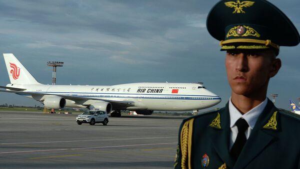 Председатель КНР Си Цзиньпин прилетел на самолете Boeing 747-800, который обслуживает госкомпания Air China - Sputnik Таджикистан