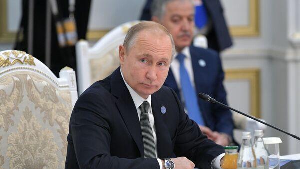Президент РФ В. Путин принимает участие в заседании Совета глав государств – членов ШОС в Бишкеке - Sputnik Тоҷикистон