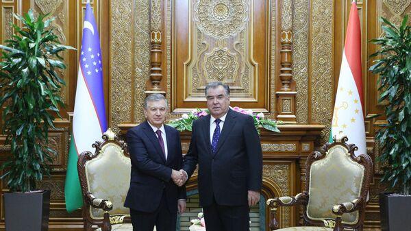 Президент Республики Таджикистан Эмомали Рахмон и президент Узбекистана Шавкат Мирзиеев - Sputnik Таджикистан
