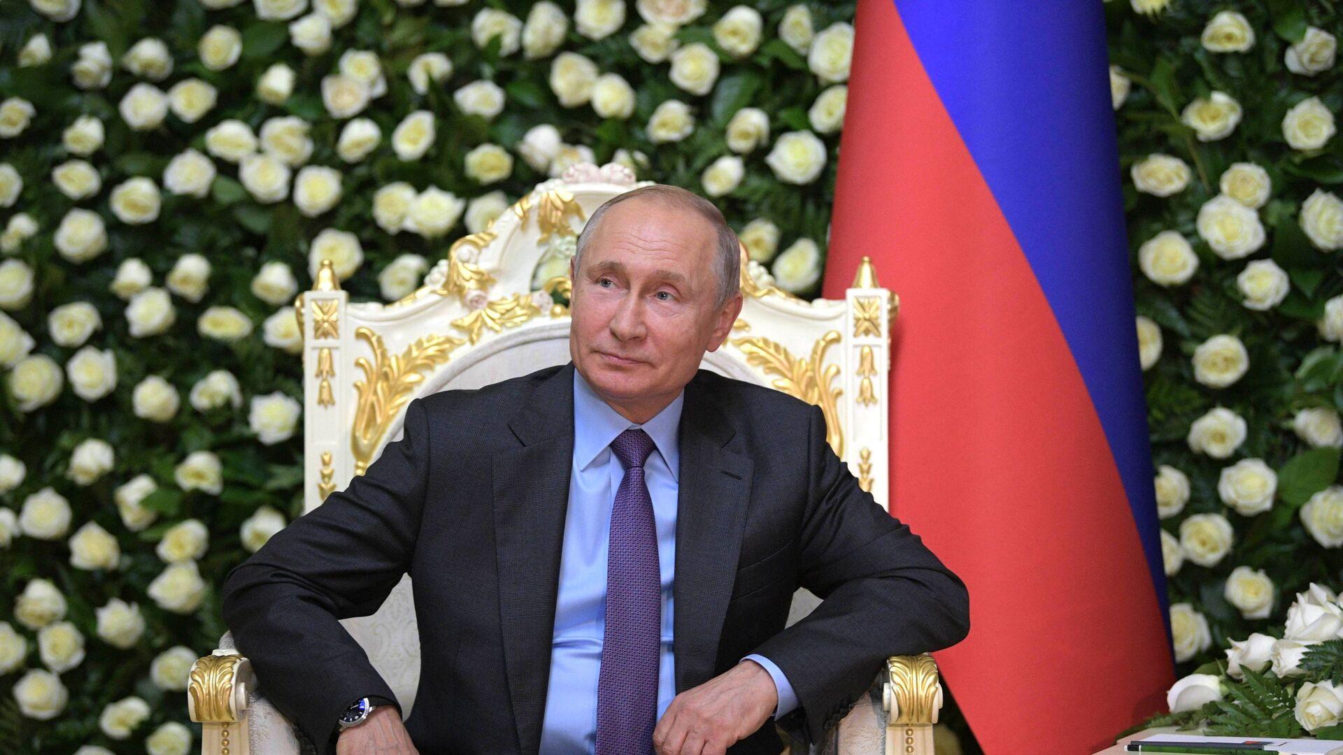 Президент РФ В. Путин прибыл в Душанбе для участия в саммите СВМДА - Sputnik Таджикистан, 1920, 14.09.2021