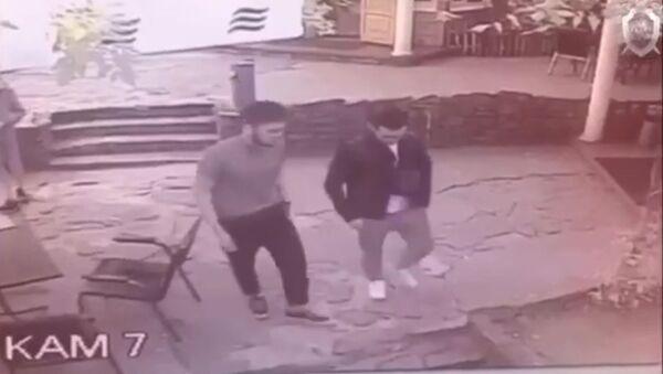 Опубликовано видео смертельной драки возле метро «Электрозаводская» - Sputnik Тоҷикистон