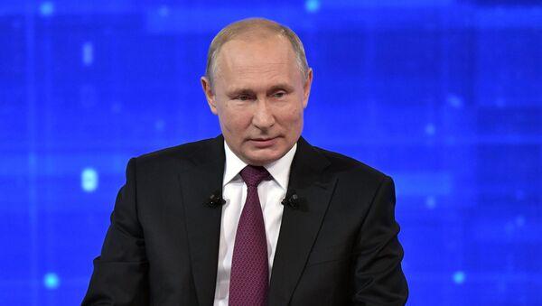 Прямая линия с президентом РФ Владимиром Путиным - Sputnik Таджикистан