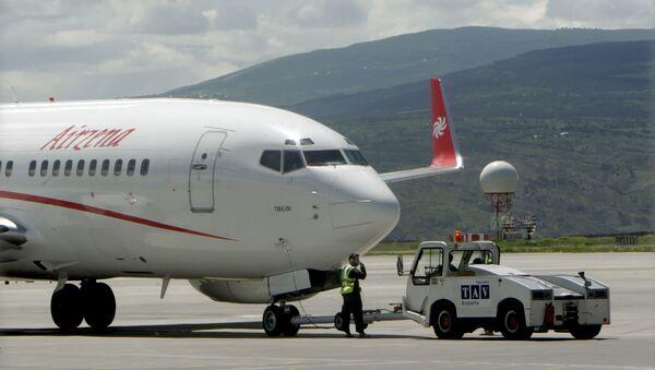 Самолет грузинской частной авиакомпании Airzena - Georgian Airways - Sputnik Таджикистан