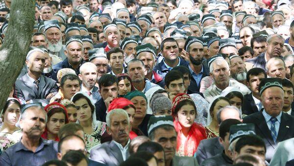 Жители Таджикистана на встрече с Эмомали Рахмоном - Sputnik Таджикистан