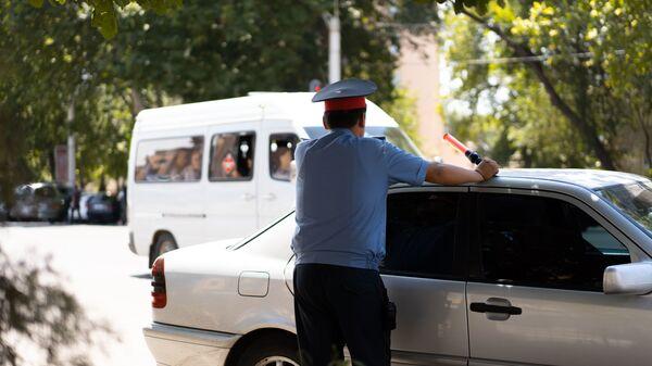 Сотрудник милиции в Таджикистане - Sputnik Тоҷикистон