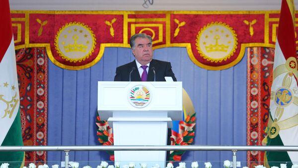 Президент Таджикистана поздравил страну с днем национального единства - Sputnik Таджикистан