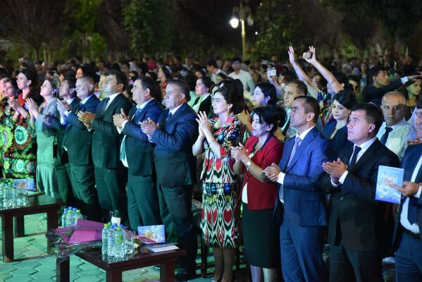 Празднование Дня единства в Душанбе  - Sputnik Тоҷикистон