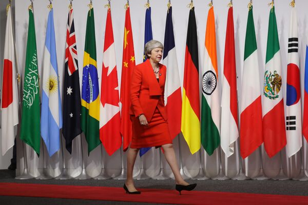 Премьер-министр Великобритании Тереза Мэй на саммите G20 в Осаке - Sputnik Таджикистан