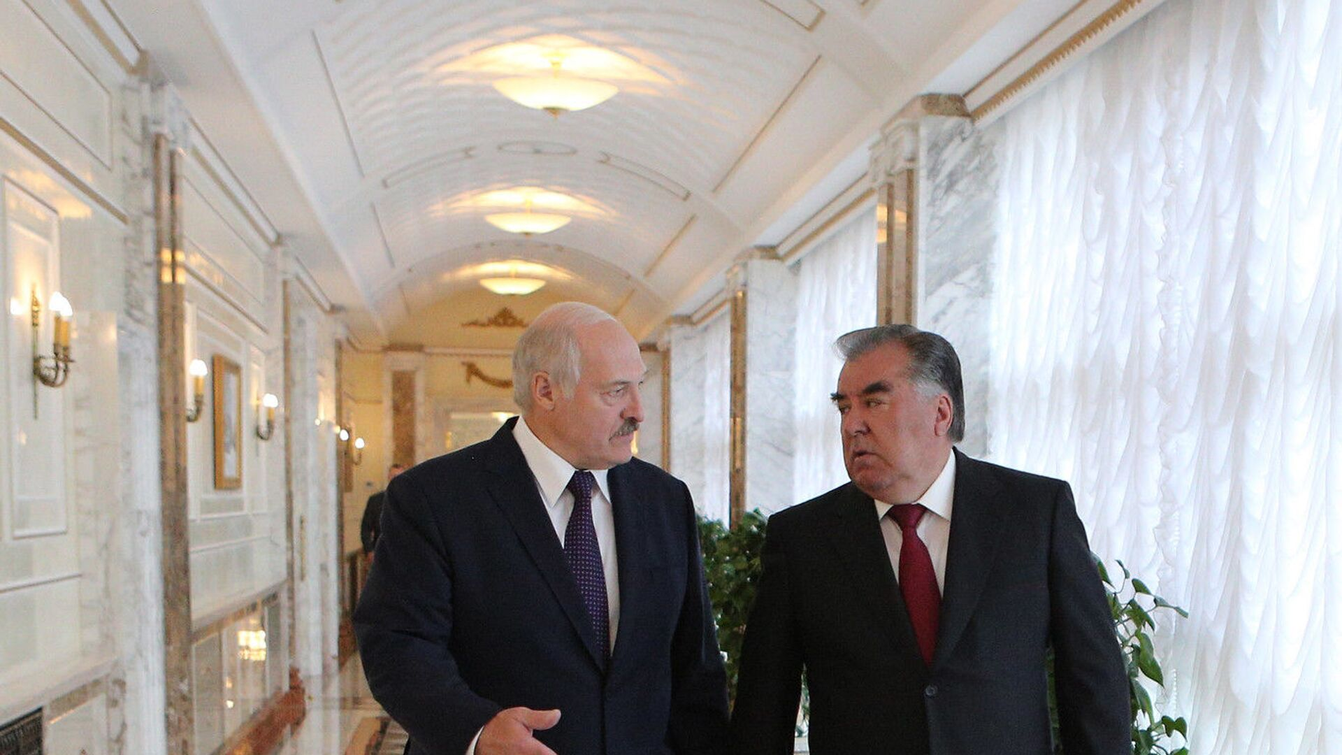 Президент Беларуси Александр Лукашенко и президент Таджикистана Эмомали Рахмон - Sputnik Таджикистан, 1920, 05.09.2021