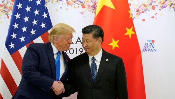 Президент США Дональд Трамп и лидер Китая Си Цзиньпин - Sputnik Таджикистан