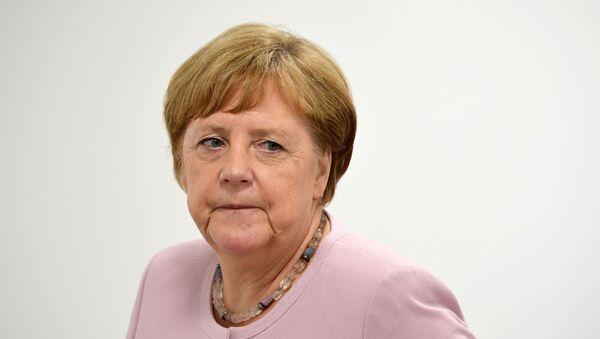 Федеральный канцлер Германии Ангела Меркель  - Sputnik Тоҷикистон
