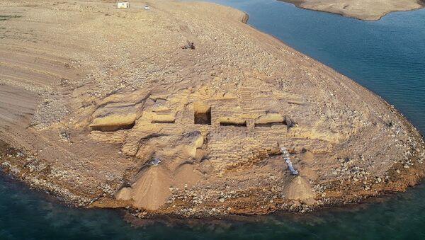 Немецкие и курдские археологи обнаружили дворец бронзового века на восточном берегу Тигра в иракском Курдистане - видео - Sputnik Тоҷикистон