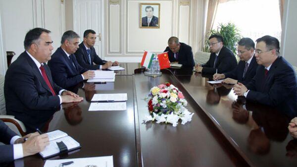 Переговоры Раыаббоя Ахмадзода с послом Китая в Таджикистане  - Sputnik Тоҷикистон