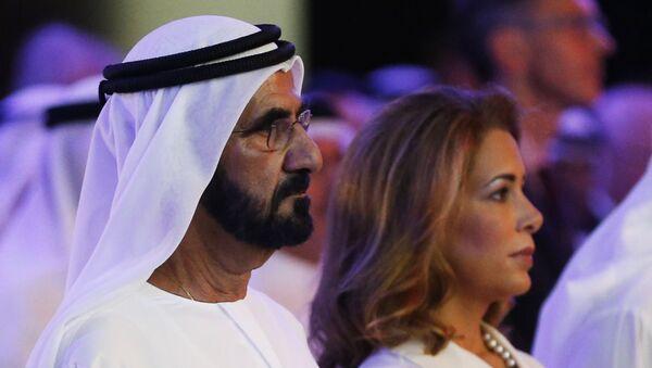 Премьер-министр ОАЭ, правитель Дубая шейх Мохаммед бен Рашид Аль Мактум и принцесса Хайя бинт аль-Хусейн. Архивное фото - Sputnik Таджикистан