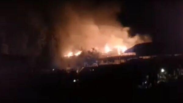 Пожар на рынке Билол в Форхоре - Sputnik Таджикистан