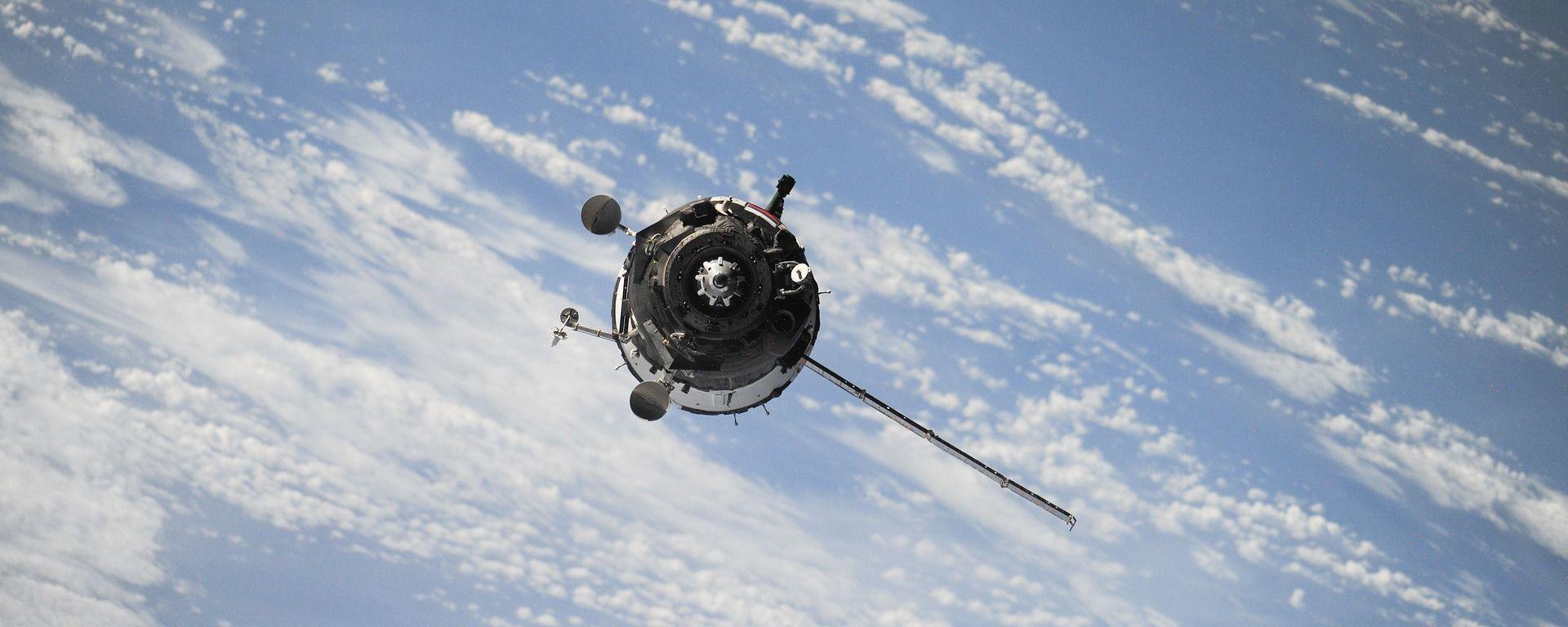 Космический спутник, архивное фото - Sputnik Таджикистан, 1920, 10.06.2021