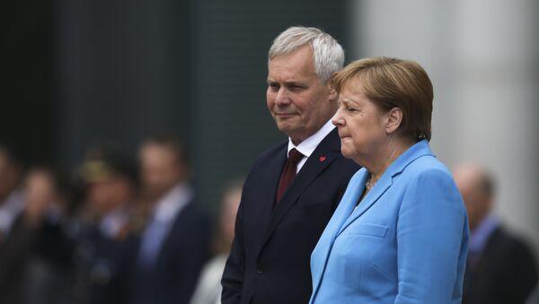 Меркель стало плохо во время встречи с премьер-министром Финляндии - Sputnik Таджикистан