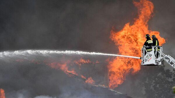 Пожар на территории Северной ТЭЦ в Мытищах - Sputnik Таджикистан