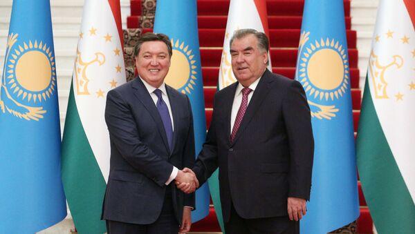 Премьер-министр Казахстана Аскар Мамин и президент Таджикистана Эмомали Рахмон - Sputnik Тоҷикистон