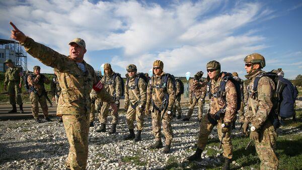Совместные учения разведывательных подразделений российских и белорусских десантников, архивное фото - Sputnik Таджикистан