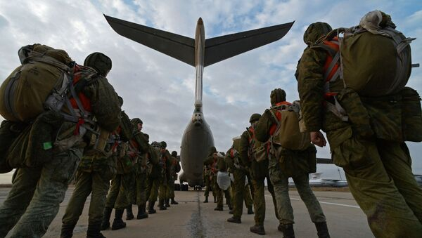 Воздушно-десантные войска, архивное фото - Sputnik Тоҷикистон