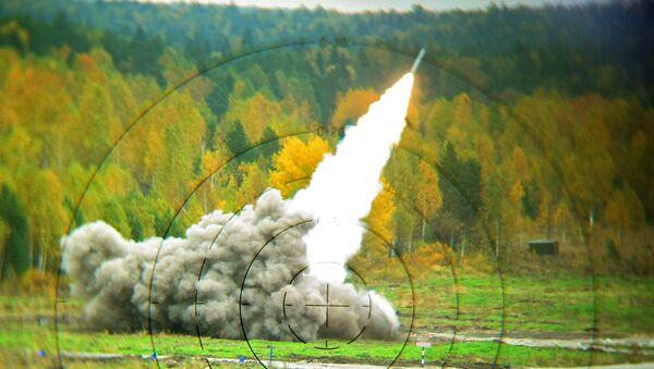 Реактивная система залпового огня Смерч - Sputnik Таджикистан