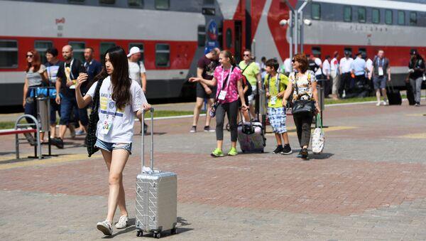 Пассажиры на вокзале, архивное фото - Sputnik Таджикистан