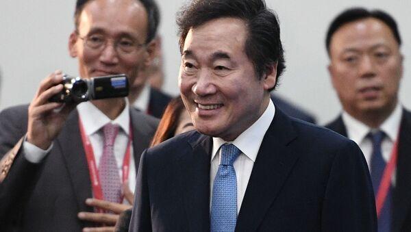 Премьер-министр Республики Кореи Ли Нак Ён, архивное фото - Sputnik Тоҷикистон