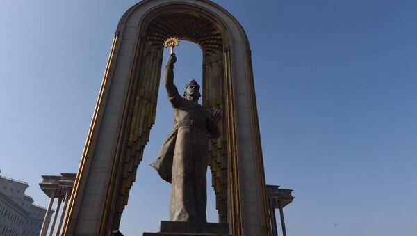 Душанбе площадь Дусти памятник Исмоилу Сомони - Sputnik Тоҷикистон