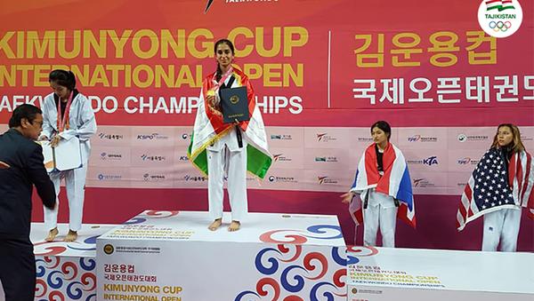 Представительница Таджикистана Муниса Ойматова выиграла золото на международном турнире - Sputnik Таджикистан