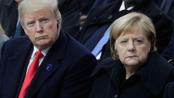 Президент США Дональд Трамп и канцлер ФРГ Ангела Меркель - Sputnik Таджикистан
