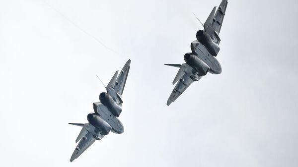 Многофункциональные истребители Су-57 - Sputnik Таджикистан