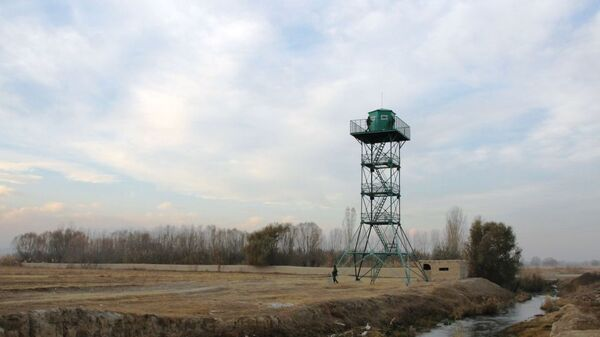 Смотровая вышка на кыргызско-таджикском участке границы. Архивное фото - Sputnik Таджикистан