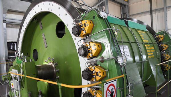 Подъемная машина на руднике по добыче урана - Sputnik Таджикистан