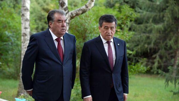 Президенты Таджикистана и Кыргызстана на переговорах - Sputnik Тоҷикистон