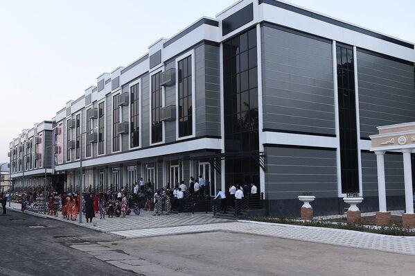 Центр обслуживания детей и подростков в центре города Вахдат - Sputnik Таджикистан