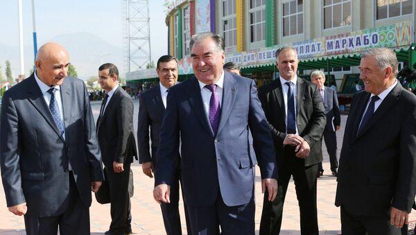 Президент Республики Таджикистана Эмомали Рахмон посетил Вахдад - Sputnik Тоҷикистон