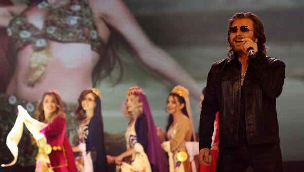 Иранский поп-певец Мансур Джафари - Sputnik Таджикистан