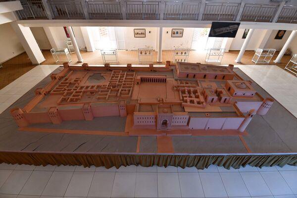 Макет древнего городища в Музее Хулбука - Sputnik Таджикистан